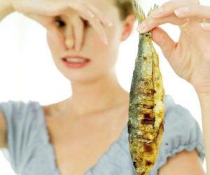 Если от женщины пахнет тухлой рыбой