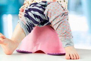 Мочеиспускание у новорожденных девочек